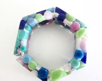 Lucite Bracelet - Stretch Bracelet - Colorful - Chunky - Circle Design
