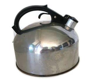 Vintage Revere Ware Tea Kettle, Large Whistling Tea Pot, Copper Bottom  2 QT Revere Copper and Brass Inc.