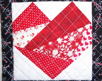 Quilted Pieced Heart Mug Rug