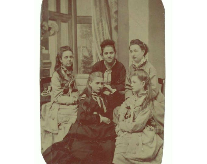 Five Young Women 1/6 Plate Tintype 1800s Antique Photo (78596)