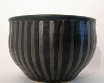 Stoneware Striped Bowl, Striped Bowl, Cache-pot, Flowerpot, Black Striped Bowl.