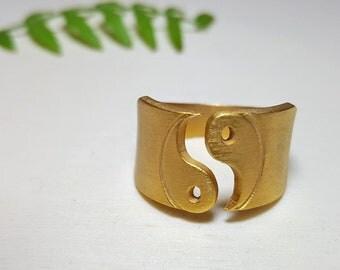 Yin and Yang Ring, Yoga Ring, Yin and Yang Jewelry, Zen Jewelry, Good Karma Jewelry, Yoga Teacher Gift, Good Vibes Jewelry, Spiritual Ring