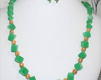 Green Malaysian Jade Necklace, Green Cube Necklace, Green Gemstone Necklace, Green and Gold Necklace, Chunky Necklace, Women's Jewelry