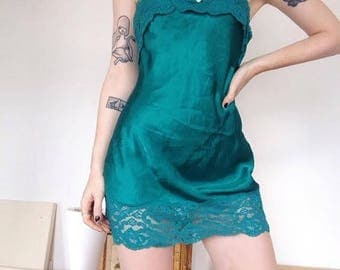 Emerald Green Vintage 90s Lace Mini Dress Vanity Fair Size 32