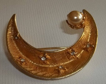 1950s Gold filled pin with pearl and glass or rhinestone chips. Shaped like crescent moon