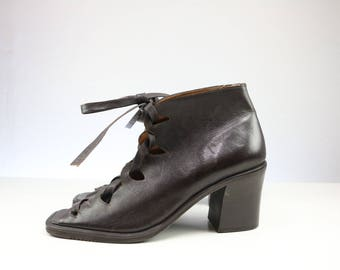Vintage 1980s Seychelles Lace-up peeptoe Shoes with Block heel/ Size US 7