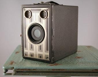 Brownie Junior Six-16 Camera, Vintage Kodak Brownie Camera, AS IS, Untested, Vintage Box Camera, Box Roll Film,