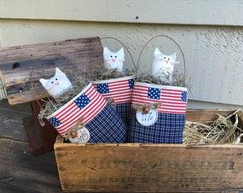 SALE - KITTY CAT in Pocket - Primitive Hanger  ornament - bowl filler - Patriotic