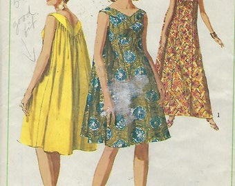 "Simplicity 7088  Misses' One-Piece ""Muu-Muu"" in two lengths  Size 12 Bust 32"""