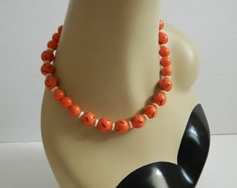 Vintage 1960s Coral Beaded Necklace