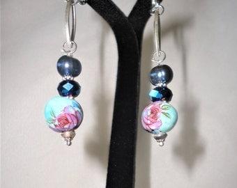 Stunning Pearl Ceramic Crystals Earrings****.