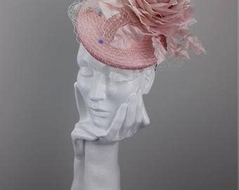 Elegant and dramatic hat suitable for Ascot, Dubai World Cup, The Curragh, Cheltenham Races,Melbourne Cup, wedding guest