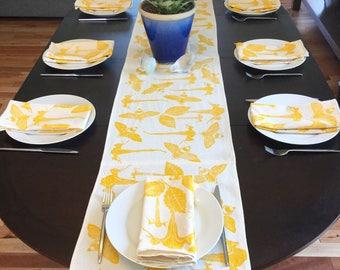 Botanical Table Runner and set of four dinner napkins