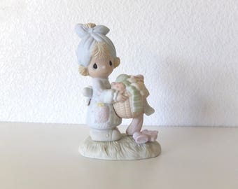 Vintage Precious Moments Be Not Weary In Well Doing - Free Shipping