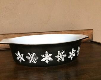 Pyrex Black Snowflake Casserole Dish