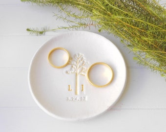 Custom ring dish, jewelry dish, unique wedding gift for couple, engagement gifts for best friend, newly engaged gift, Elopement Gift