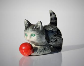 Vintage Tabby Cat Figurine, Goebel West Germany, Porcelain Kitten, Red Ball, Green Eyes, Collectible Retro Ceramic Statue, Cat Lovers Gift