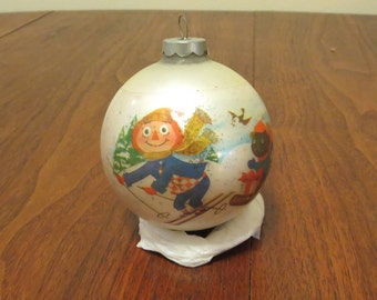 """Vintage 1970s 1973 glass Christmas tree ornament decoration Raggedy Ann and Andy Bobbs Merrill Co. 10 1/2"""" Made in U.S.A. (71217)"""