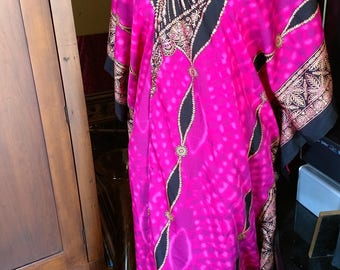 Open front Cover Up Robe -- Polyester Magenta black Pink & metallic gold tie dye print Caftan Long Tunic Belly Dance Fits One Size