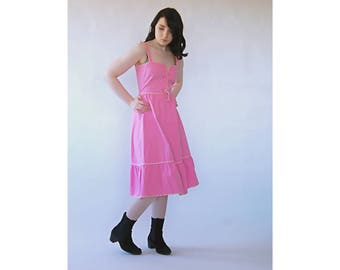 80s/70s pink dress with sweet heart neckline and ribbon at bodice High waist summer dress cotton Ruffle hem Ribbon that ties at the back S