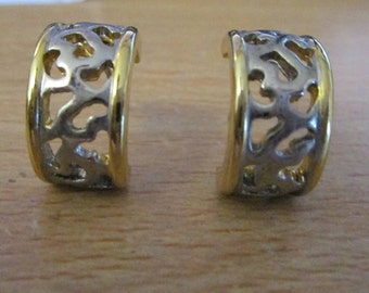 "vintage half hoop silvertone/goldtone stud earrings in good condition 1""long earring 1/3""wide"