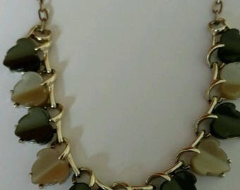 Vintage Green Leaf Necklace Thermoset Lucite Gold plated