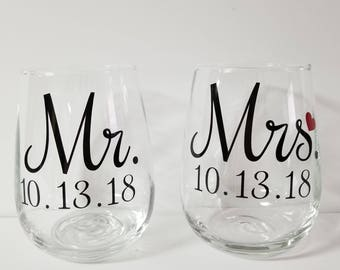 Engagement Gift, Mr. and Mrs. wine glasses, Bride and Groom wine glasses, customized engagement glasses, mr and mrs gift