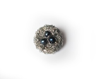 Cute Bird nest pin