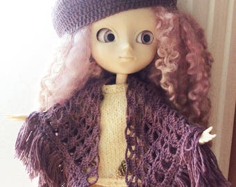 Crocheted beret in brown-purple wool-silk, for Pullip