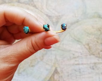 Blue Peacock Ore, Unique 2 Finger Ring, Raw Stone Statement Ring, Blue Peacock