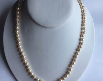 Pearl Necklace Beige Marvella Golden Clasp