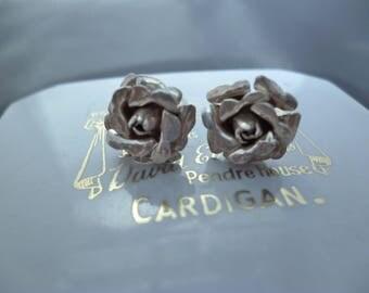 A pair of vintage silver rose stud earrings - 925 - sterling silver