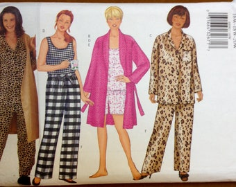 Butterick 6890 - Fast and Easy Two Piece Pajama Set, Tank, Shorties and Robe - Size 16 18 20