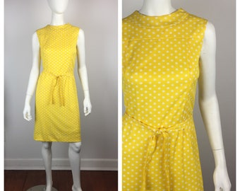 Vintage 1960s Dress / 60s Yellow Polka Dot Shift Dress / Small