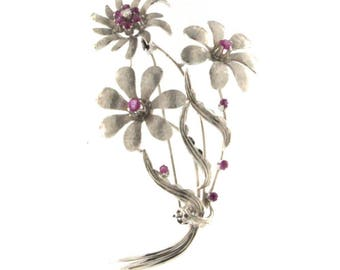 18kt White Gold Vintage Flower Brooch