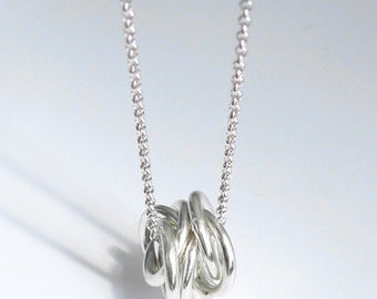 Silver necklace, pendant knotted-s