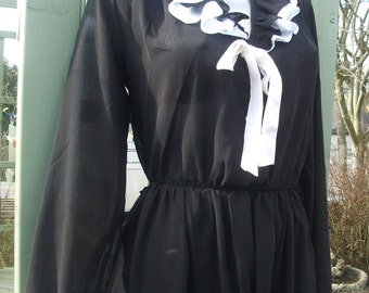 Vintage Rio of London dress, black with white neck frill