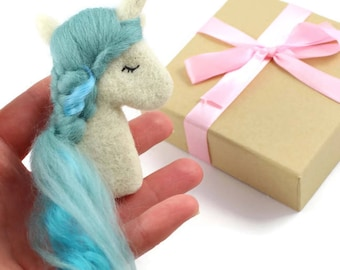 Unicorn Brooch, Blue Unicorn Brooch, Unicorn Jewellery, Blue Unicorn, Needle Felted Unicorn, Girls Jewellery, Girly Jewellery, Needle Felted