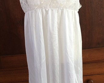 L / Delicates/ White Lace Top Nightgown / Large