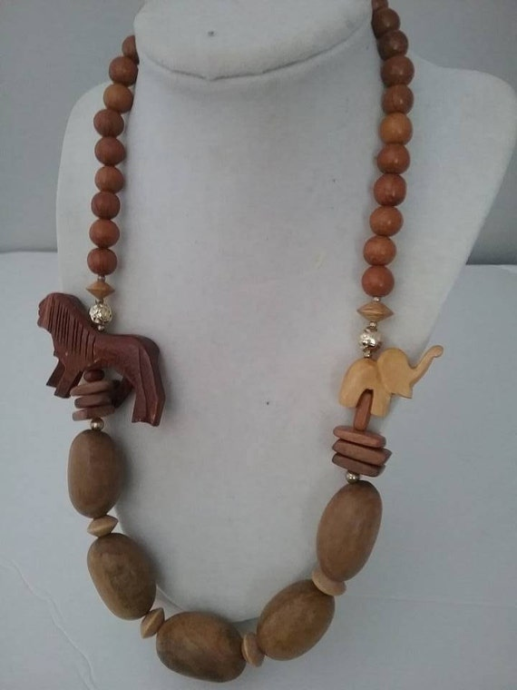 Hand Carved Safari Necklace, 70's Hand Carved Lion and Elephant on Wooden Beads Necklace, Wood Necklace with Carved Lion and Elephant,