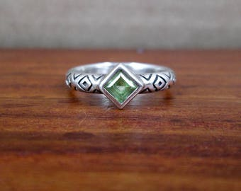 925 Sterling Silver Epidote Ring - Size 7.5 - Vintage