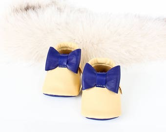 Navy / Yellow Leather Baby Shoes, Baby Moccasins, Navy Sole Bottom, Navy Bow, Crib Shoes Booties, Bébé Chaussures, Chaussons Cuir Souple
