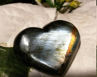 Labradorite heart-20, 26 Gr-grey and Rainbow