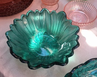 Lily Pons Bowl in Aquamarine - Rare color