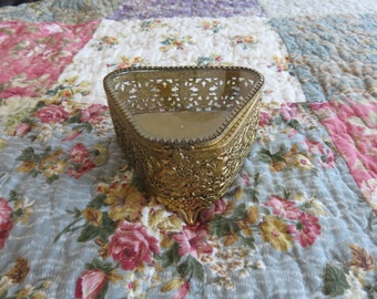 Beautiful Vintage Gold-Toned Filigree Ornate Jewelry Casket with Slightly Beveled Glass. Cover lays Slightly Askew when Closed  #48