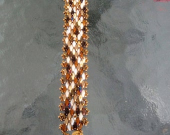 Mixed brown and bronze beaded bracelet