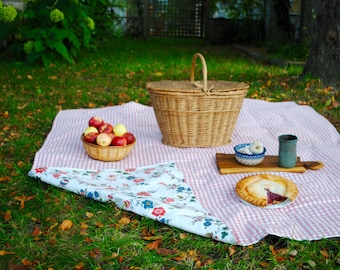 Pink Picnic Blanket , Retro Gingham and Floral, Picnic Blanket, Waterproof Picnic Blanket, Personalized Gift