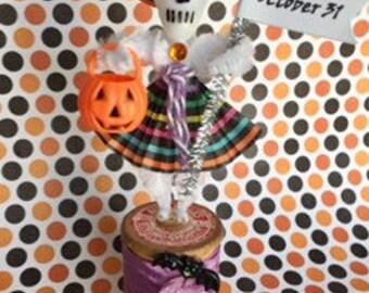 VIntage Halloween Ornament, Chenille Stem Skeleton Decoration, Day of the Dead Decoration, Vintage Cake Pick Ornament,Chenille Ornament
