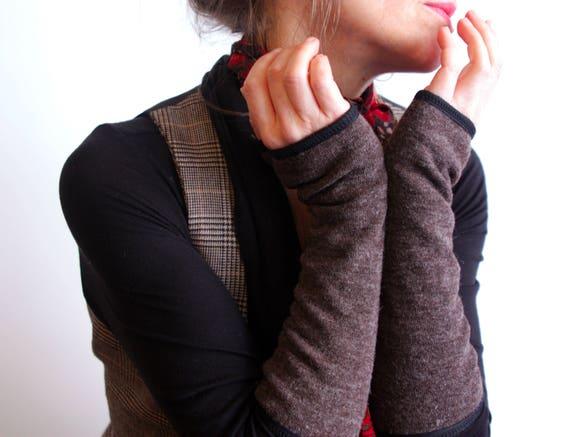 Long brown mitten plain wool, lined Jersey cotton