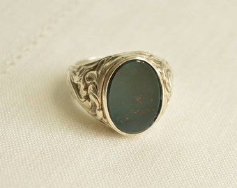 Chunky Antique Bloodstone Heliotrope Silver 835 Floral Signet Ring Size 10.5